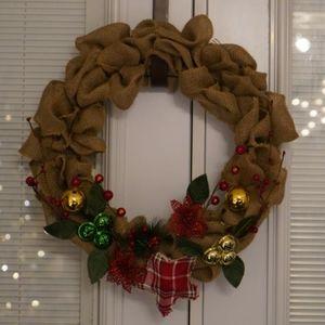 Homemade burlap Christmas wreath